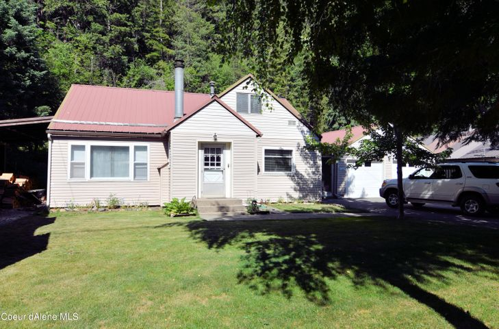 502 E Yellowstone Ave, Silverton, ID 83867