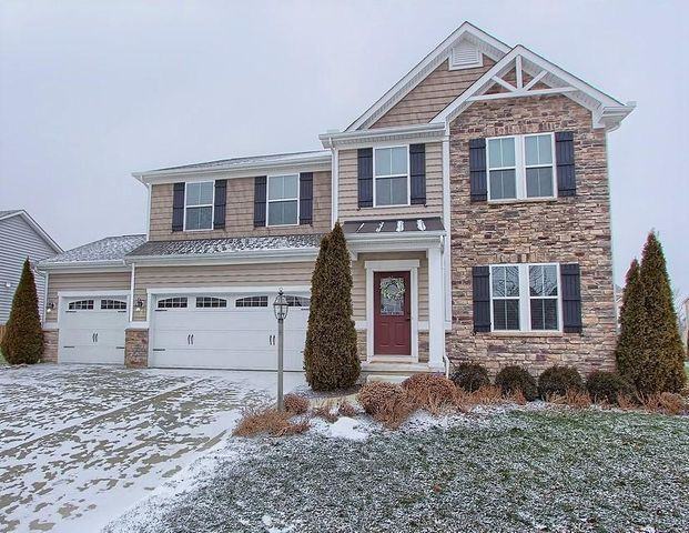 8880 Shady Woods Street NW, Canal Winchester, OH 43110