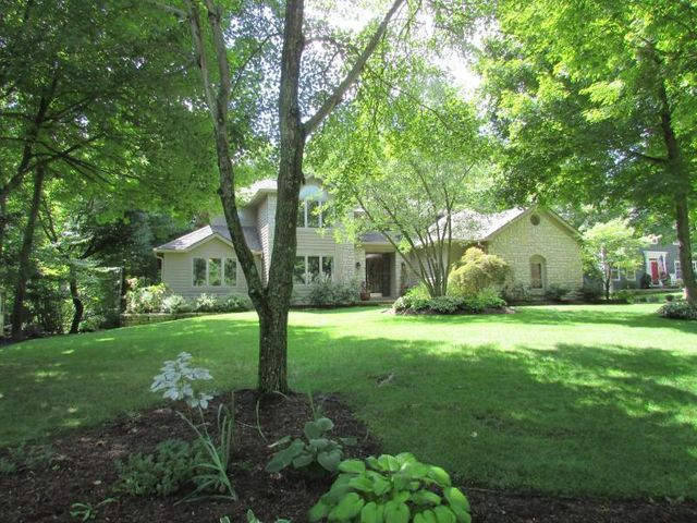 3556 Woodstone Drive, Lewis Center, OH 43035