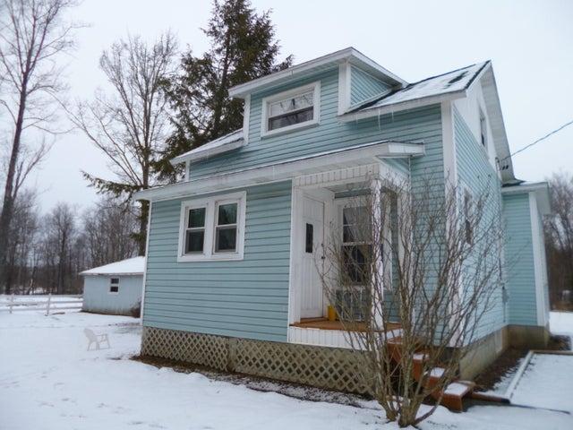 692 LAUREL RUN RD, Reynoldsville, PA 15851