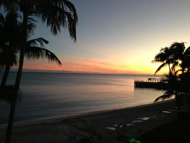 601 W Ocean Drive, 414D, Key Colony, FL 33051