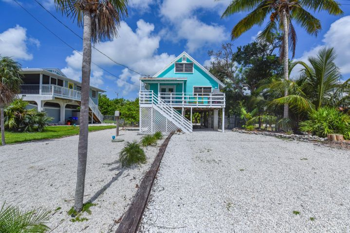 330 W Sandy Circle, Big Pine Key, FL 33043