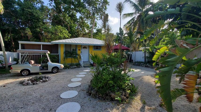 17 Transylvania Avenue, Key Largo, FL 33037