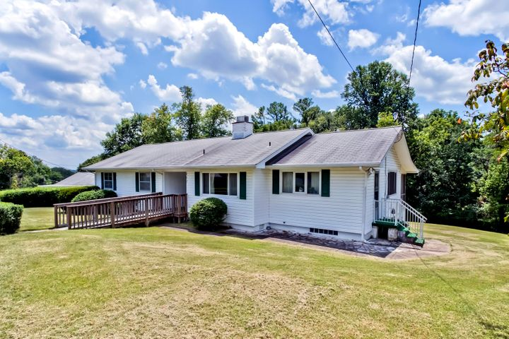 117 Underwood Rd, Oak Ridge, TN 37830