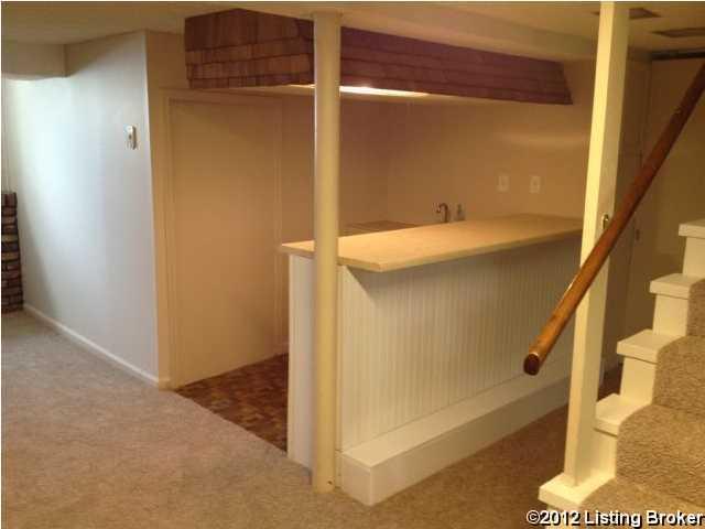 2217 Brighton Dr,Louisville,Kentucky 40205,3 Bedrooms Bedrooms,7 Rooms Rooms,2 BathroomsBathrooms,Residential,Brighton,1345221