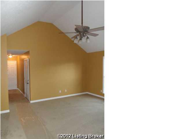 7212 Hassock Dr,Louisville,Kentucky 40258,3 Bedrooms Bedrooms,6 Rooms Rooms,2 BathroomsBathrooms,Residential,Hassock,1348033