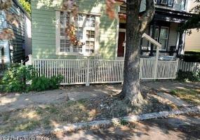 1421 Debarr St, Louisville, Kentucky 40204, 2 Bedrooms Bedrooms, 6 Rooms Rooms,1 BathroomBathrooms,Residential,For Sale,Debarr,1400870