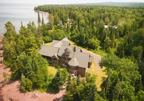 2611 Seven Mile Point Road, Eagle River, MI 49950, 4 Bedrooms Bedrooms, ,6 BathroomsBathrooms,Residential,For Sale,Seven Mile Point,228060