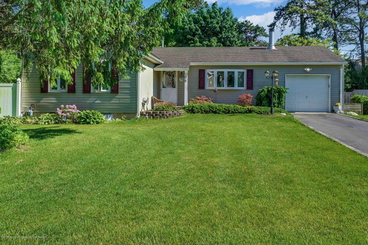 908 12th Avenue, Toms River, NJ 08757