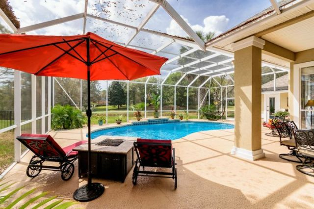 Screened in pool, plenty of space to entertain friends and family. Covered lanai plus more....