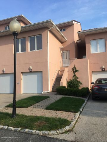 50 Harbour Court, Staten Island, NY 10308