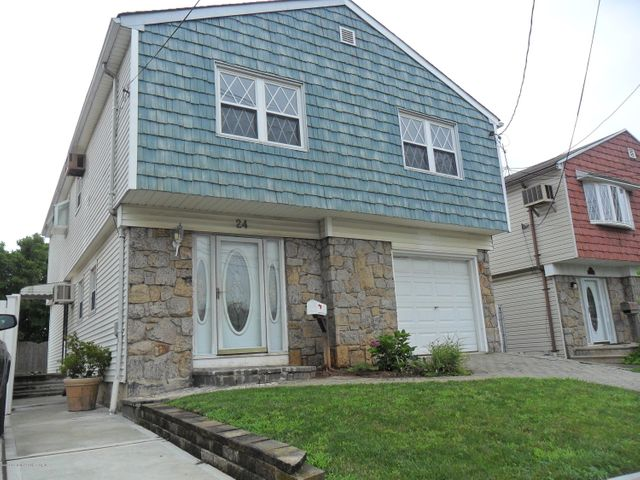 24 Signs Road, Staten Island, NY 10314