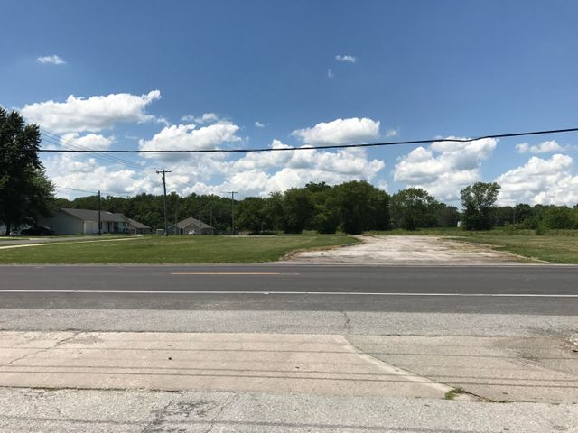 S Morley St., Moberly, MO 65270