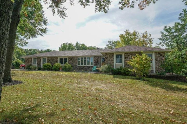 1330 E Urbandale Dr., Moberly, MO 65270