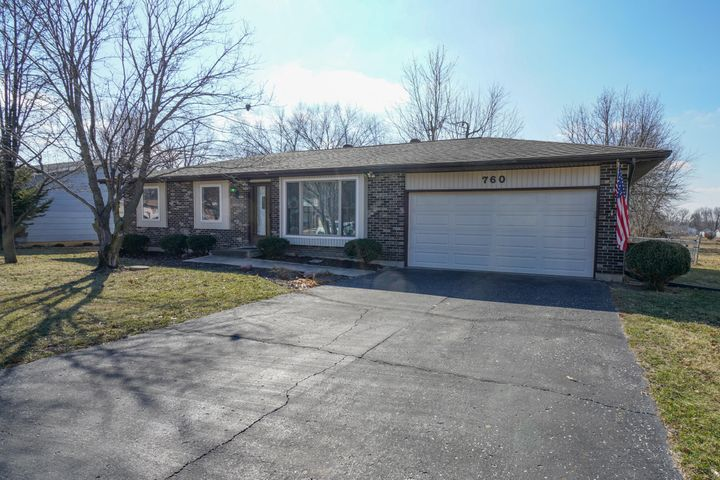 760 Meadowbrook Circle, Moberly, MO 65270