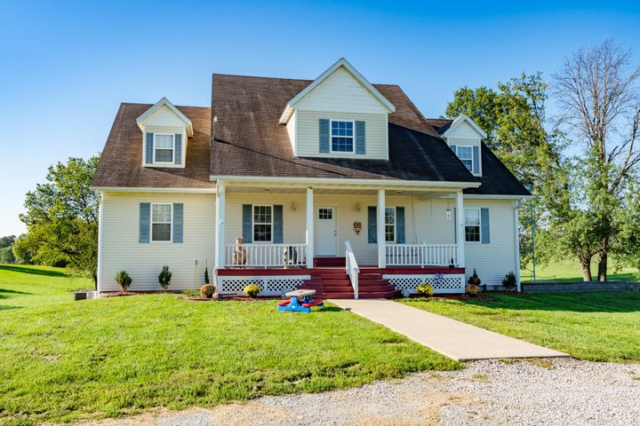 1096 County Road, 2328, Moberly, MO 65270