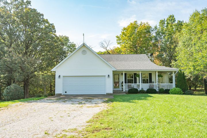 3236 Highway M, Moberly, MO 65270