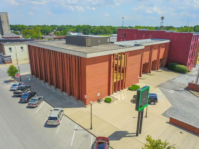 208 W Reed, Suite 101, Moberly, MO 65270