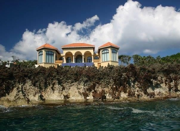 3 bedroom 3 bath, West Bay, Keyhole Bay Water Front Home, Roatan,