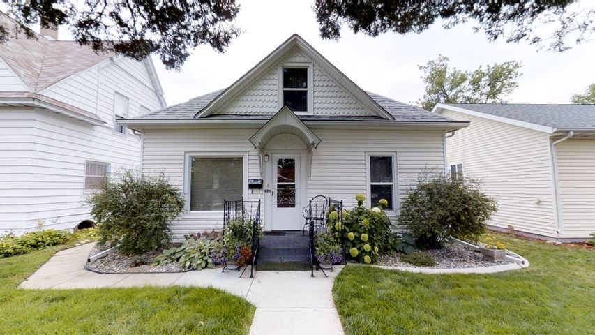528 W Burkitt Street, Sheridan, WY 82801