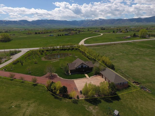 2 Valley Road, Big Horn, WY 82833