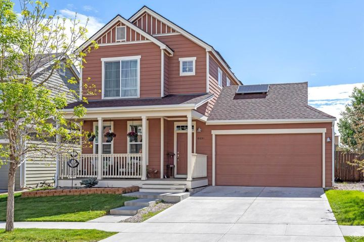 Single familiarly in excellent conditions, looks like new and is ready to move in. The house has been upgraded with beautiful laminate wood flooring, basement is professionally finished and has a family room, bedroom and fool bath. hose has a very good size and nice fence back yard. Call me today!