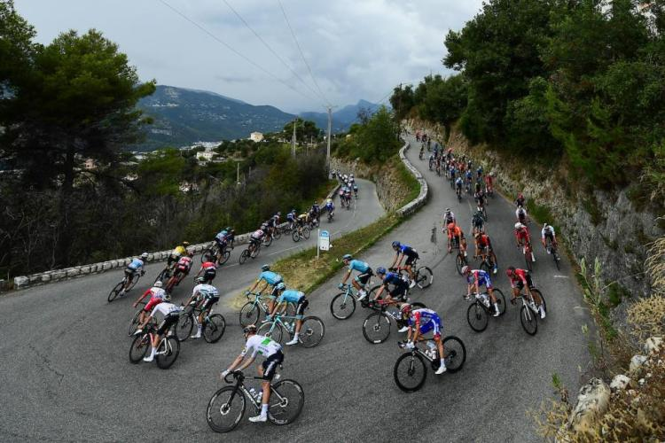 If you can't hack it, retire, Wiggins tells Tour de France riders after  opening stage mayhem | road.cc
