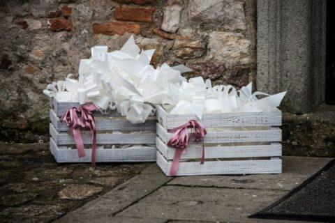 In questo articolo ti spiego come allestire un matrimonio fai da te con idee simpatiche ed originali. Matrimonio Shabby Chic 15 Idee Fai Da Te Roba Da Donne