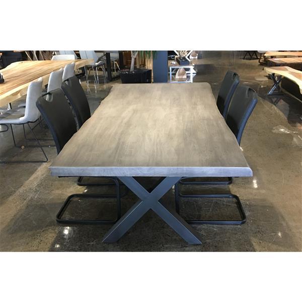 table en bois d acacia gris de corcoran 84 po bords naturels pattes en x en metal noir