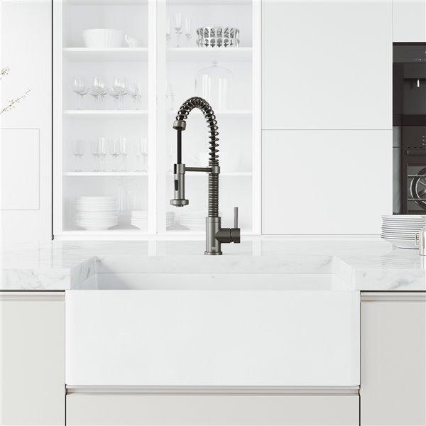 vigo edison pull down single hole kitchen faucet graphite black
