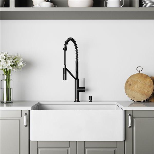 vigo farmhouse kitchen sink in matte white with drain 30 in