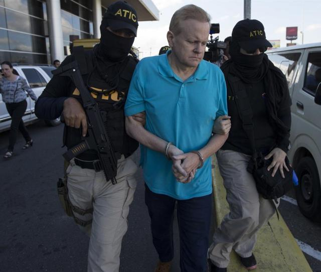 The Latest Fbi Escorting Kentucky Fugitive From Honduras