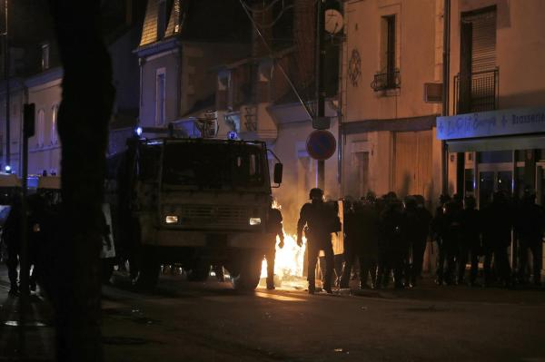 French yellow vest protests hit 9th week, clash with ...