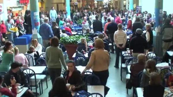 Flash Mob Sings Hallelujah Chorus in Food Court ...