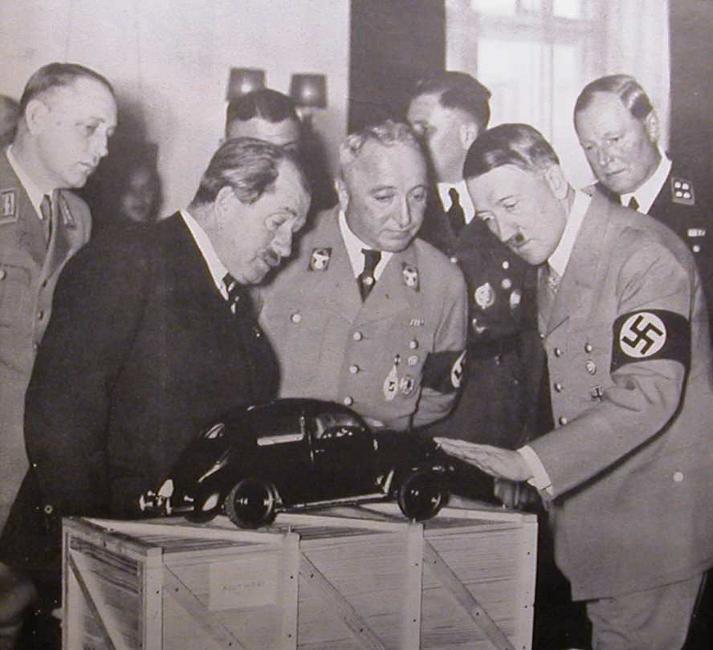 Αποτέλεσμα εικόνας για Το 1937 τιμήθηκε από το ναζιστικό καθεστώς με το Εθνικό Βραβείο για την Τέχνη και την Επιστήμη.