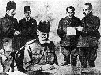 Ο Ταξίν Πασάς υπογράφει τα πρωτόκολλα παράδοσης της Θεσσαλονίκης.