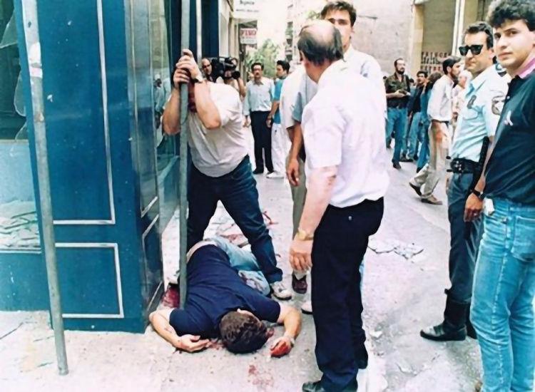 Ο Θάνος Αξαρλιάν, θύμα την 17Ν