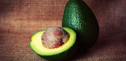 Dabas et al explored the anti-inflammatory potential of colored avocado seed extract. Image credit: Tookapic.