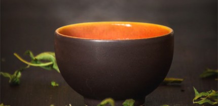 Drinking hot tea increases the risk of esophageal cancer. Image credit: Fxxu.
