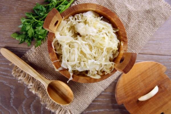Квашеная капуста - рецепты с фото пошагово, польза ...