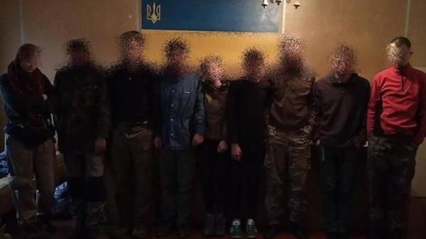 Девятерых сталкеров поймали полицейские в зоне отчуждения ...