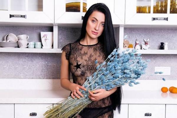 Жена Сергея Бабкина снялась в кружевном пеньюаре - фото ...