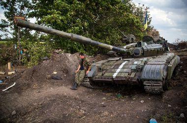 В районе аэропорта Луганск обстреляна колонна сил АТО ...