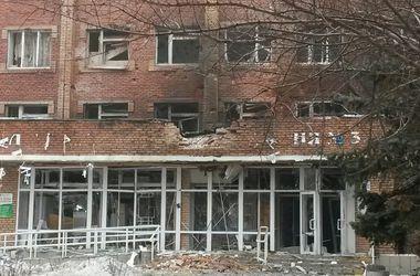 В Донецке под мощный обстрел попала 3-я горбольница ...