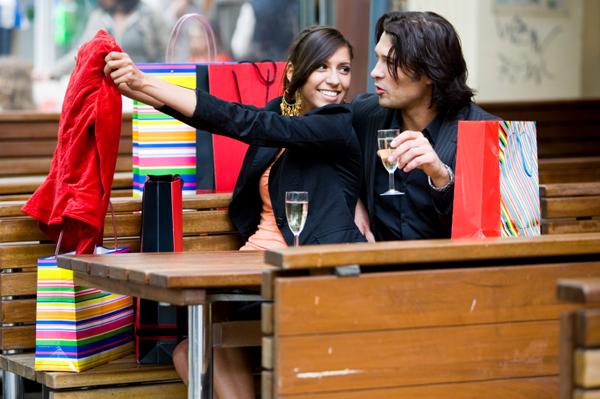 https://i1.wp.com/cdn.sheknows.com/articles/2011/01/couple-shopping.jpg