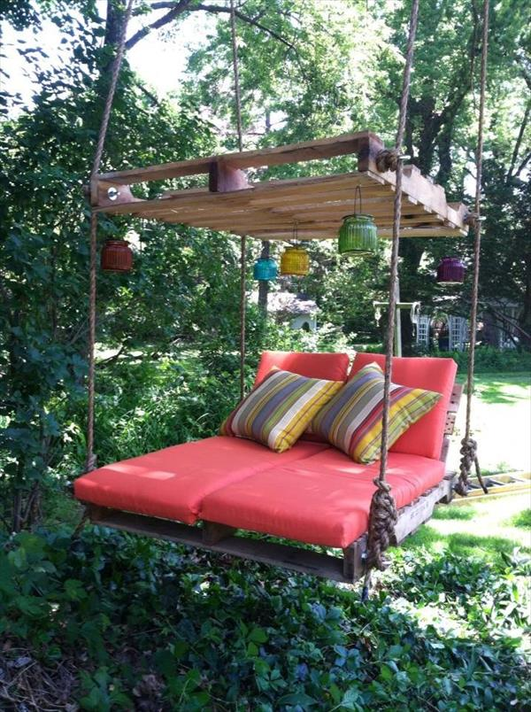 Wooden pallet lounger