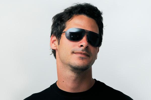 kacamata hitam fashion pria 2014