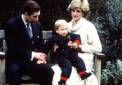 https://i1.wp.com/cdn.sheknows.com/filter/l/gallery/princess_diana_princess_william_18months.jpg