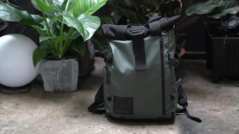 The Best Photography Backpack Ever? The WANDRD PRVKE 31 Photography Bundle Review.