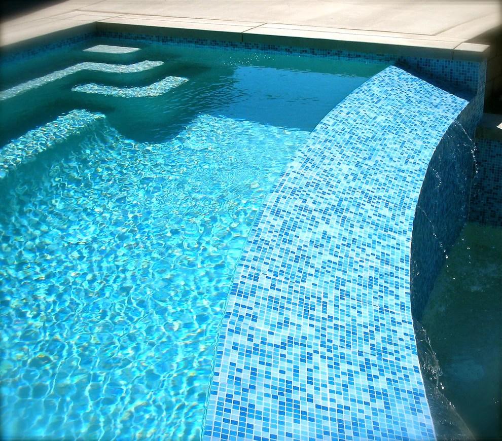 brio glass mosaic tile cool pool blend
